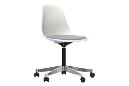 https://res.cloudinary.com/clippings/image/upload/t_big/dpr_auto,f_auto,w_auto/v2/products/pscc-eames-plastic-side-chair-seat-upholstered-04-white-02-castors-hard-braked-for-carpet-hopsak-74-dark-blueivory-vitra-charles-ray-eames-clippings-11253582.jpg