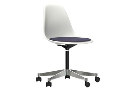 https://res.cloudinary.com/clippings/image/upload/t_big/dpr_auto,f_auto,w_auto/v2/products/pscc-eames-plastic-side-chair-seat-upholstered-04-white-02-castors-hard-braked-for-carpet-hopsak-75-dark-bluemoor-brown-vitra-charles-ray-eames-clippings-11253625.jpg