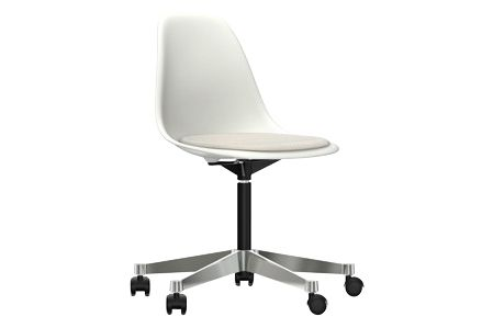 https://res.cloudinary.com/clippings/image/upload/t_big/dpr_auto,f_auto,w_auto/v2/products/pscc-eames-plastic-side-chair-seat-upholstered-04-white-02-castors-hard-braked-for-carpet-hopsak-79-warmgreyivory-vitra-charles-ray-eames-clippings-11253595.jpg