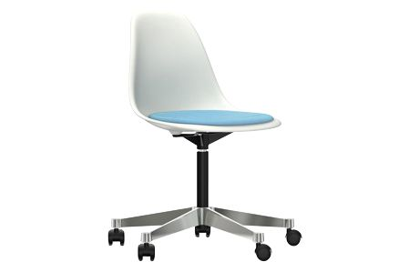 https://res.cloudinary.com/clippings/image/upload/t_big/dpr_auto,f_auto,w_auto/v2/products/pscc-eames-plastic-side-chair-seat-upholstered-04-white-02-castors-hard-braked-for-carpet-hopsak-83-blueivory-vitra-charles-ray-eames-clippings-11253580.jpg