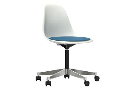 https://res.cloudinary.com/clippings/image/upload/t_big/dpr_auto,f_auto,w_auto/v2/products/pscc-eames-plastic-side-chair-seat-upholstered-04-white-02-castors-hard-braked-for-carpet-hopsak-84-bluemoor-brown-vitra-charles-ray-eames-clippings-11253581.jpg
