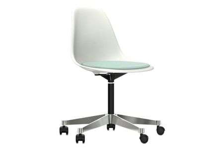 https://res.cloudinary.com/clippings/image/upload/t_big/dpr_auto,f_auto,w_auto/v2/products/pscc-eames-plastic-side-chair-seat-upholstered-04-white-02-castors-hard-braked-for-carpet-hopsak-85-mintivory-vitra-charles-ray-eames-clippings-11253575.jpg
