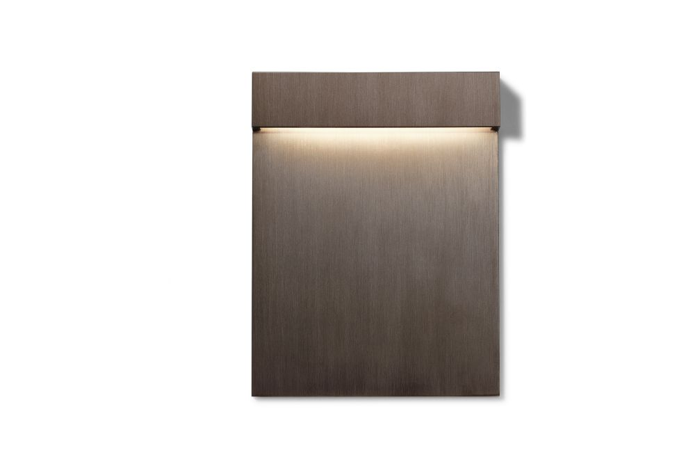 https://res.cloudinary.com/clippings/image/upload/t_big/dpr_auto,f_auto,w_auto/v2/products/real-matter-wall-light-brushed-bronze-low-power-led-3w-180lm-fixt-74lm-2700k-cri80-24v-flos-piero-lissoni-clippings-11287979.jpg