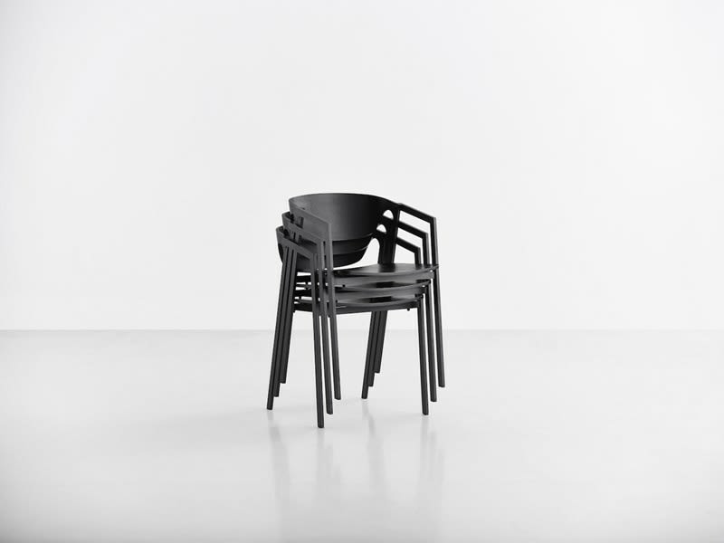https://res.cloudinary.com/clippings/image/upload/t_big/dpr_auto,f_auto,w_auto/v2/products/sac-dining-chair-set-of-2-woud-naoya-matsuo-clippings-9280371.jpg