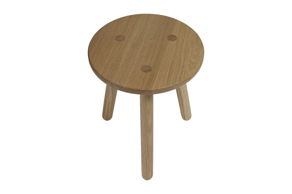 https://res.cloudinary.com/clippings/image/upload/t_big/dpr_auto,f_auto,w_auto/v2/products/side-table-one-oak-another-country-clippings-11154866.jpg