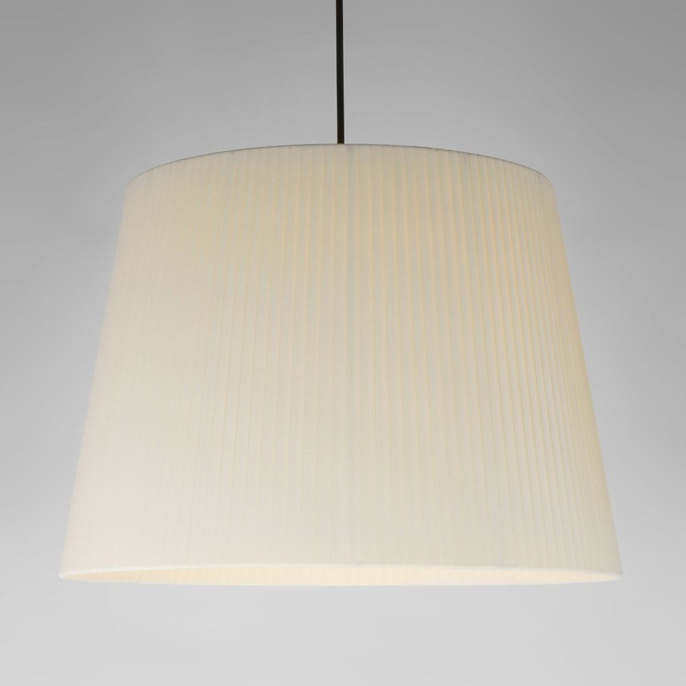 https://res.cloudinary.com/clippings/image/upload/t_big/dpr_auto,f_auto,w_auto/v2/products/sistema-sisisi-gt1-pendant-light-satin-nickel-simple-stitched-beiged-parchment-santa-cole-clippings-10160791.jpg