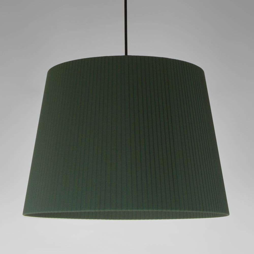 https://res.cloudinary.com/clippings/image/upload/t_big/dpr_auto,f_auto,w_auto/v2/products/sistema-sisisi-gt1-pendant-light-satin-nickel-simple-stitched-beiged-parchment-santa-cole-clippings-10160821.jpg