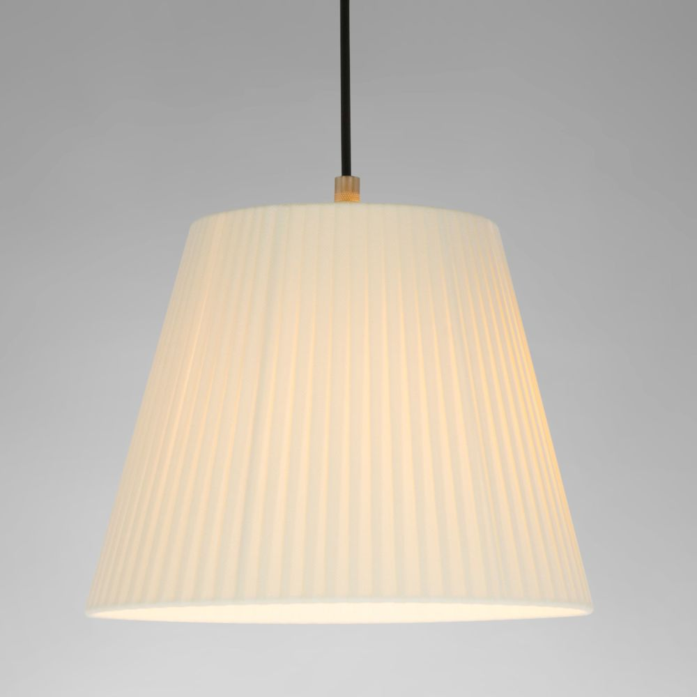 https://res.cloudinary.com/clippings/image/upload/t_big/dpr_auto,f_auto,w_auto/v2/products/sistema-sisisi-mt1-pendant-light-satin-nickel-stitched-beiged-parchment-santa-cole-clippings-10161031.jpg