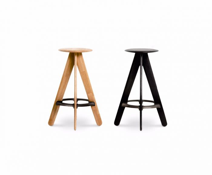https://res.cloudinary.com/clippings/image/upload/t_big/dpr_auto,f_auto,w_auto/v2/products/slab-bar-stool-black-tom-dixon-clippings-8795691.jpg