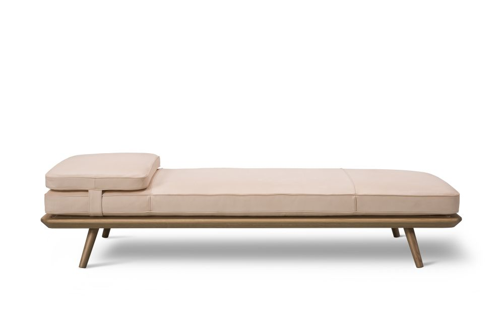 Spine Daybed by Fredericia