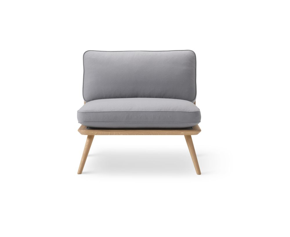https://res.cloudinary.com/clippings/image/upload/t_big/dpr_auto,f_auto,w_auto/v2/products/spine-lounge-chair-oak-fredericia-space-copenhagen-clippings-9414511.jpg
