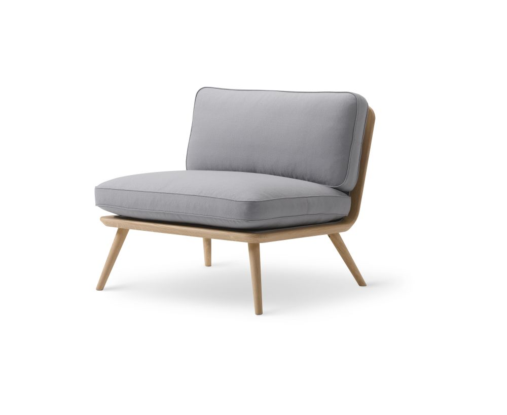 https://res.cloudinary.com/clippings/image/upload/t_big/dpr_auto,f_auto,w_auto/v2/products/spine-lounge-chair-oak-fredericia-space-copenhagen-clippings-9414541.jpg