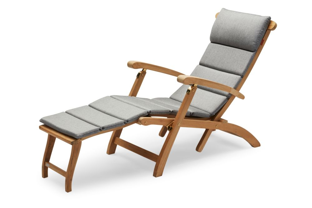 https://res.cloudinary.com/clippings/image/upload/t_big/dpr_auto,f_auto,w_auto/v2/products/steamer-deck-chair-with-cushion-ash-skagerak-clippings-11300868.jpg