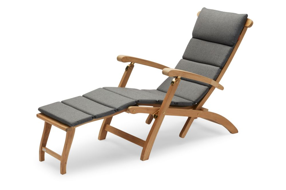 https://res.cloudinary.com/clippings/image/upload/t_big/dpr_auto,f_auto,w_auto/v2/products/steamer-deck-chair-with-cushion-charcoal-skagerak-clippings-11300869.jpg