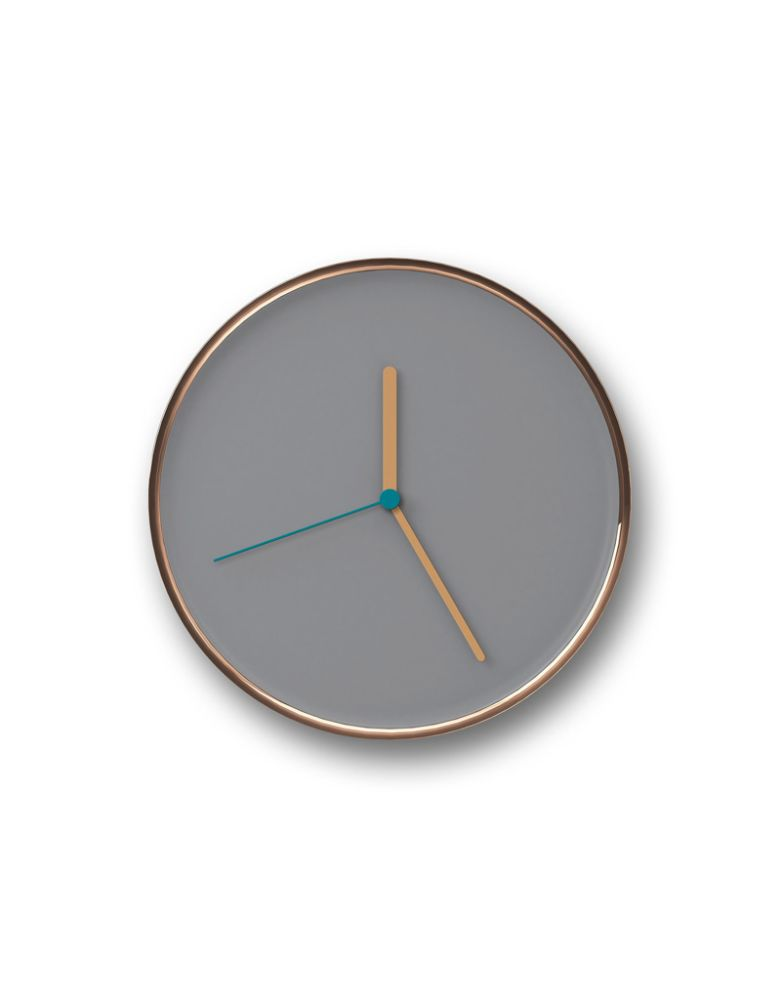 https://res.cloudinary.com/clippings/image/upload/t_big/dpr_auto,f_auto,w_auto/v2/products/thin-wall-clock-gray-copper-teo-lena-billmeier-david-baur-clippings-1453311.jpg