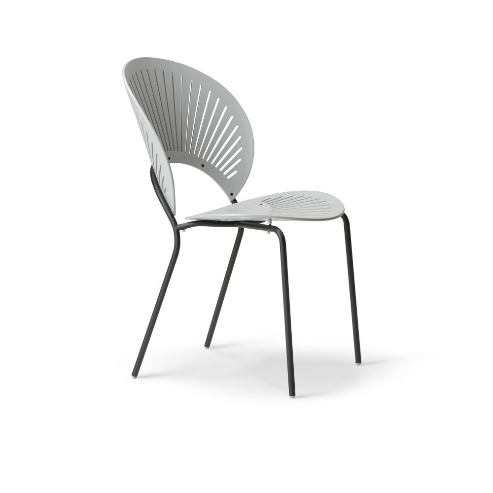 https://res.cloudinary.com/clippings/image/upload/t_big/dpr_auto,f_auto,w_auto/v2/products/trinidad-bar-stool-seat-upholstered-ocean-remix-2-113-chrome-fredericia-nanna-ditzel-clippings-9420461.jpg