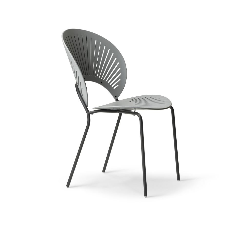 https://res.cloudinary.com/clippings/image/upload/t_big/dpr_auto,f_auto,w_auto/v2/products/trinidad-bar-stool-seat-upholstered-ocean-remix-2-113-chrome-fredericia-nanna-ditzel-clippings-9420491.jpg