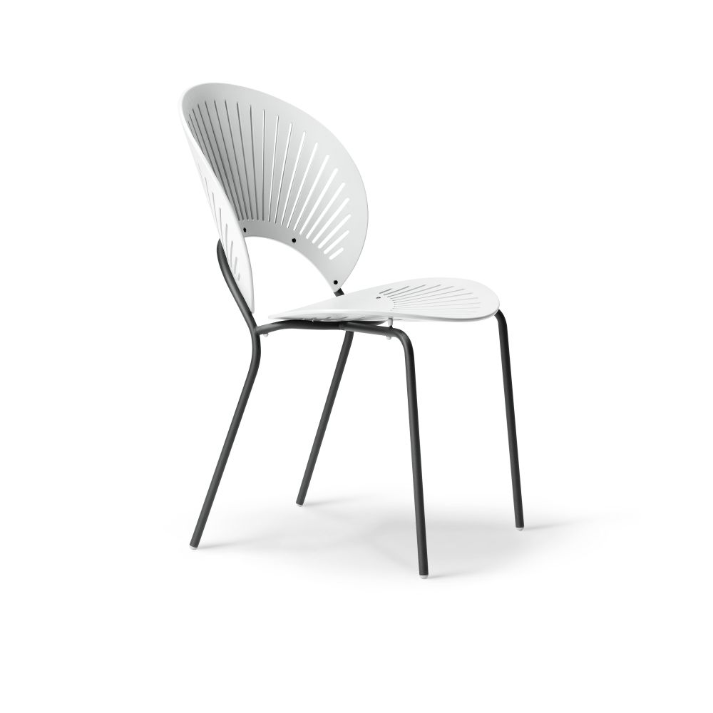 https://res.cloudinary.com/clippings/image/upload/t_big/dpr_auto,f_auto,w_auto/v2/products/trinidad-bar-stool-seat-upholstered-ocean-remix-2-113-chrome-fredericia-nanna-ditzel-clippings-9420511.jpg