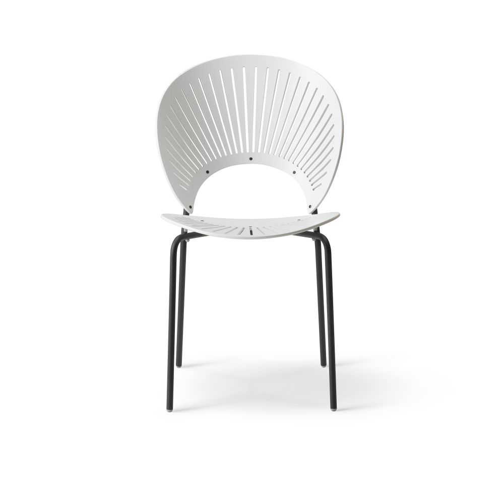 https://res.cloudinary.com/clippings/image/upload/t_big/dpr_auto,f_auto,w_auto/v2/products/trinidad-bar-stool-seat-upholstered-ocean-remix-2-113-chrome-fredericia-nanna-ditzel-clippings-9420521.jpg