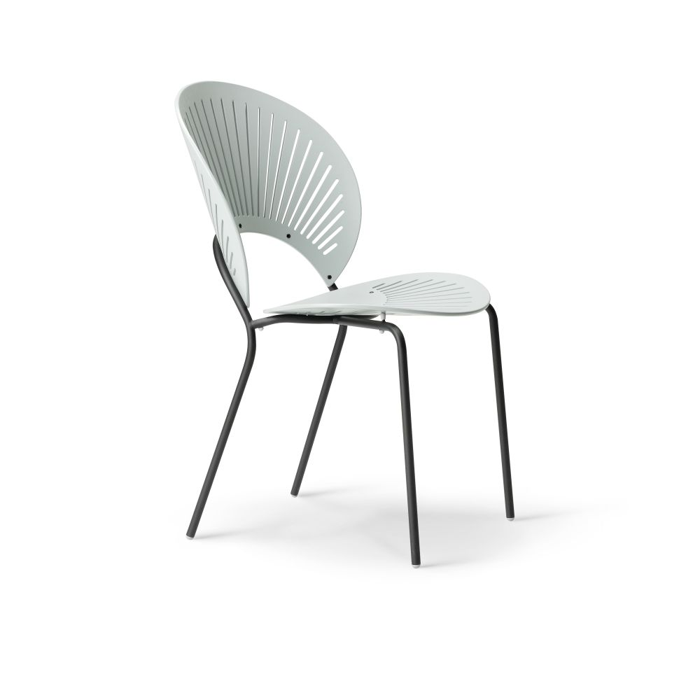 https://res.cloudinary.com/clippings/image/upload/t_big/dpr_auto,f_auto,w_auto/v2/products/trinidad-bar-stool-seat-upholstered-ocean-remix-2-113-chrome-fredericia-nanna-ditzel-clippings-9420591.jpg