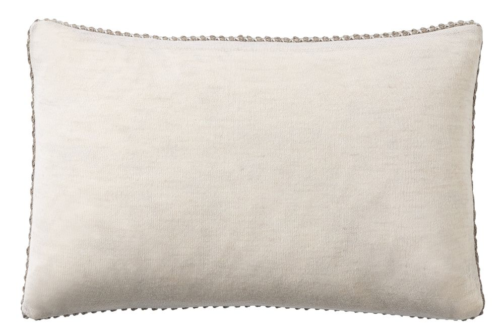 https://res.cloudinary.com/clippings/image/upload/t_big/dpr_auto,f_auto,w_auto/v2/products/twine-cushion-beige-grey-muuto-aiayu-clippings-11344678.jpg