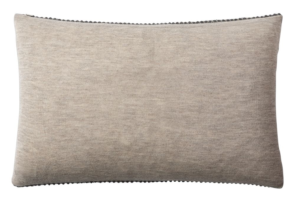 https://res.cloudinary.com/clippings/image/upload/t_big/dpr_auto,f_auto,w_auto/v2/products/twine-cushion-dark-grey-muuto-aiayu-clippings-11344680.jpg