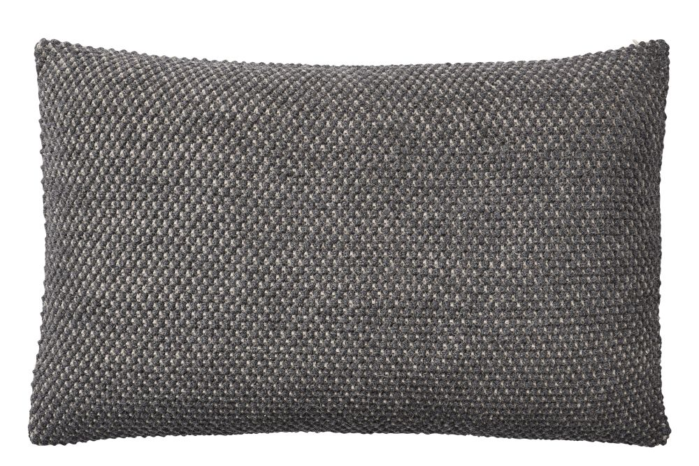 https://res.cloudinary.com/clippings/image/upload/t_big/dpr_auto,f_auto,w_auto/v2/products/twine-cushion-dark-grey-muuto-aiayu-clippings-11344681.jpg