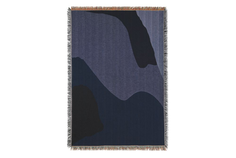 https://res.cloudinary.com/clippings/image/upload/t_big/dpr_auto,f_auto,w_auto/v2/products/vista-blanket-dark-blue-ferm-living-clippings-11338377.jpg