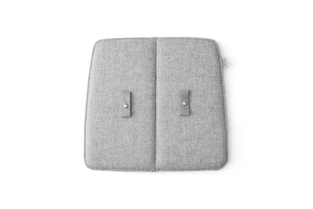 https://res.cloudinary.com/clippings/image/upload/t_big/dpr_auto,f_auto,w_auto/v2/products/wm-string-indoor-cushion-light-grey-luna-2-04013-385x35cm-dining-menu-studio-wm-clippings-11301667.jpg