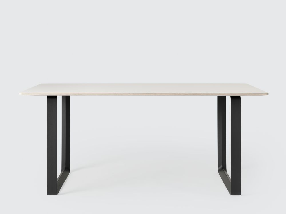 https://res.cloudinary.com/clippings/image/upload/t_big/dpr_auto,f_auto,w_auto/v3/products/7070-table-large-whiteblack-muuto-taf-architects-clippings-9683191.jpg