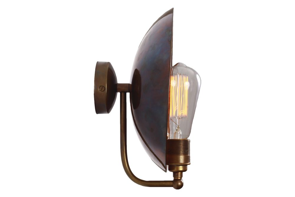 https://res.cloudinary.com/clippings/image/upload/t_big/dpr_auto,f_auto,w_auto/v3/products/cullen-wall-light-antique-brass-mullan-lighting-clippings-10853381.jpg