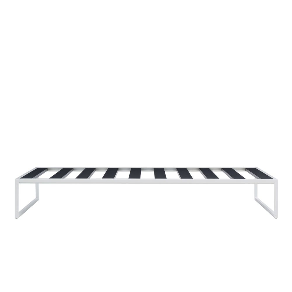 https://res.cloudinary.com/clippings/image/upload/t_big/dpr_auto,f_auto,w_auto/v3/products/fronzoni-64-bed-matt-lacquer-white-small-cappellini-ag-fronzoni-clippings-8754631.jpg