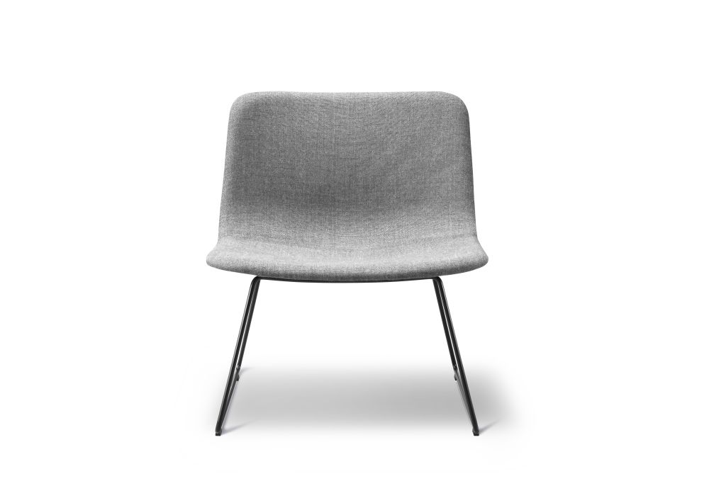 https://res.cloudinary.com/clippings/image/upload/t_big/dpr_auto,f_auto,w_auto/v3/products/pato-lounge-sledge-chair-chrome-remix-2-143-fredericia-welling-ludvik-clippings-9430721.jpg