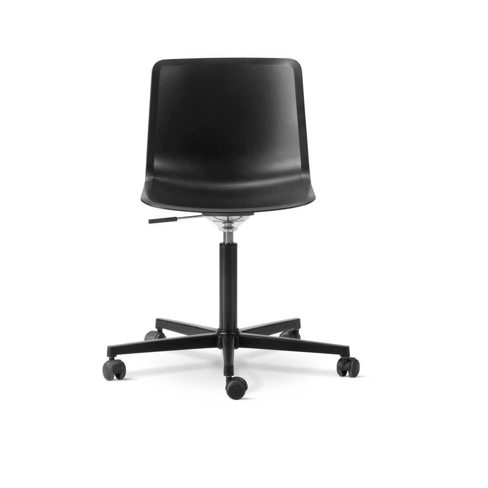https://res.cloudinary.com/clippings/image/upload/t_big/dpr_auto,f_auto,w_auto/v3/products/pato-office-chair-chrome-quartz-grey-fredericia-welling-ludvik-clippings-9428061.jpg