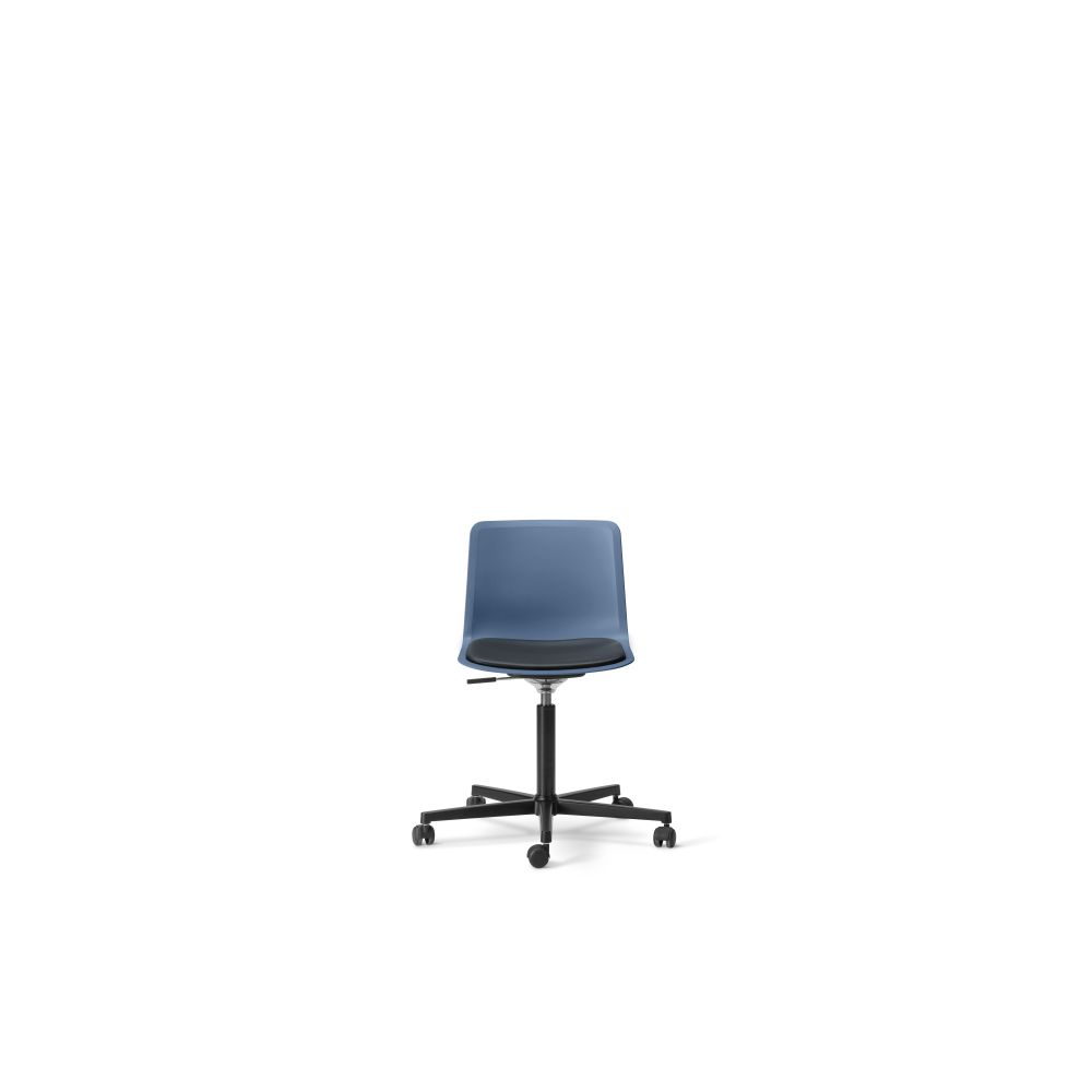 https://res.cloudinary.com/clippings/image/upload/t_big/dpr_auto,f_auto,w_auto/v3/products/pato-office-chair-with-seat-upholstery-chrome-quartz-grey-remix-2-143-fredericia-welling-ludvik-clippings-9428451.jpg