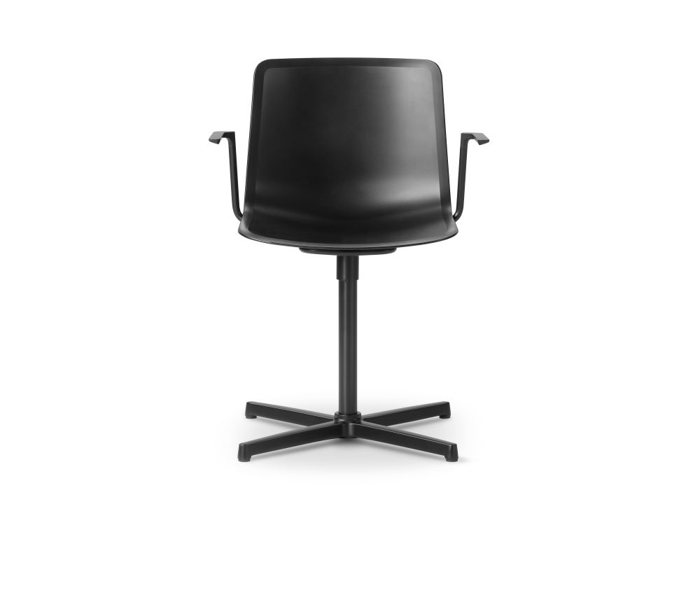 https://res.cloudinary.com/clippings/image/upload/t_big/dpr_auto,f_auto,w_auto/v3/products/pato-swivel-armchair-fredericia-welling-ludvik-clippings-9493741.jpg