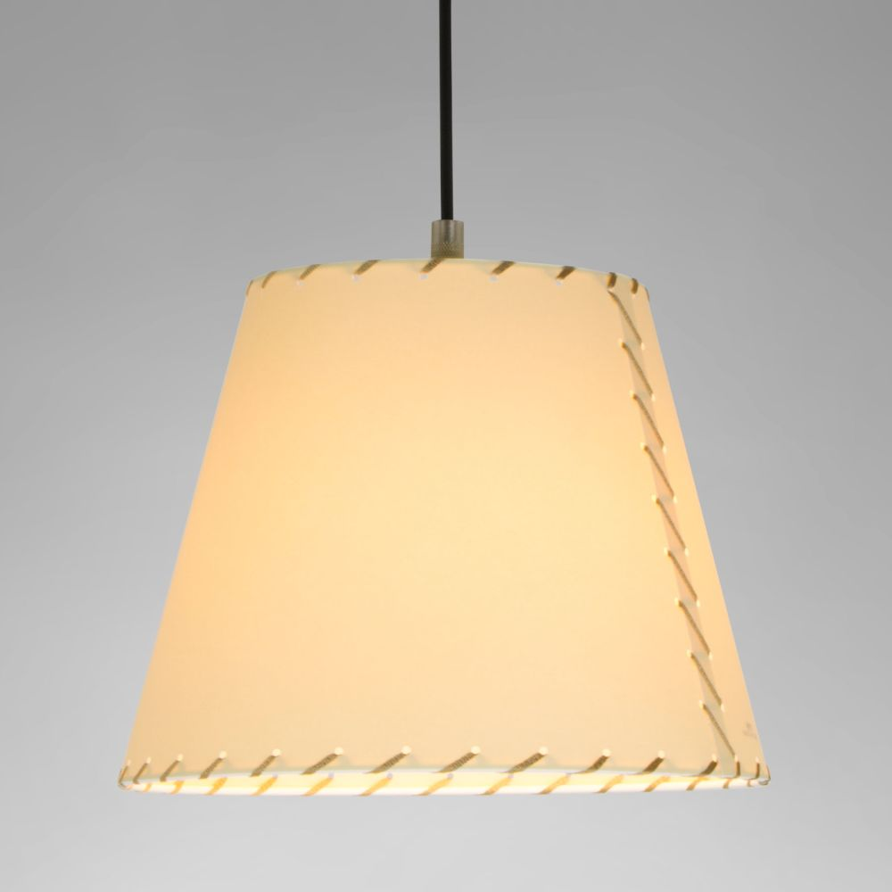 https://res.cloudinary.com/clippings/image/upload/t_big/dpr_auto,f_auto,w_auto/v3/products/sistema-sisisi-mt1-pendant-light-satin-nickel-stitched-beiged-parchment-santa-cole-clippings-10161041.jpg
