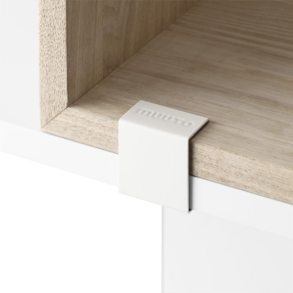 https://res.cloudinary.com/clippings/image/upload/t_big/dpr_auto,f_auto,w_auto/v3/products/stacked-storage-system-20-clips-set-of-5-white-muuto-julien-de-smedt-clippings-11121428.jpg