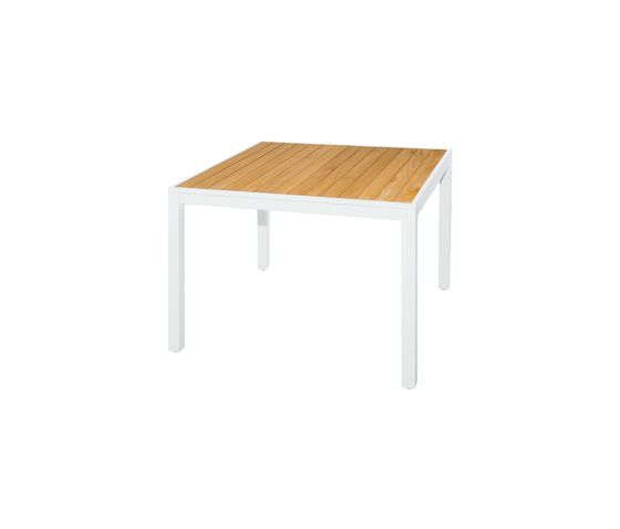 Allux dining table 100x100 cm (straight slats) by Mamagreen by Mamagreen