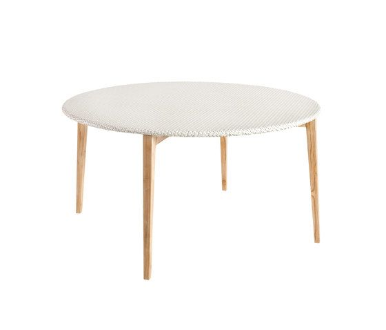 Arc Round dining table by Point by Point
