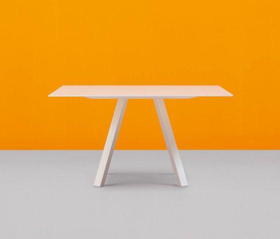Arki-Table 139x139 by PEDRALI by PEDRALI