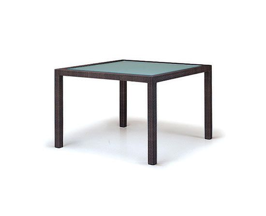 Barcelona Dining table by DEDON by DEDON