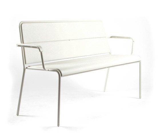 CP9111 Bench by Maiori Design by Maiori Design