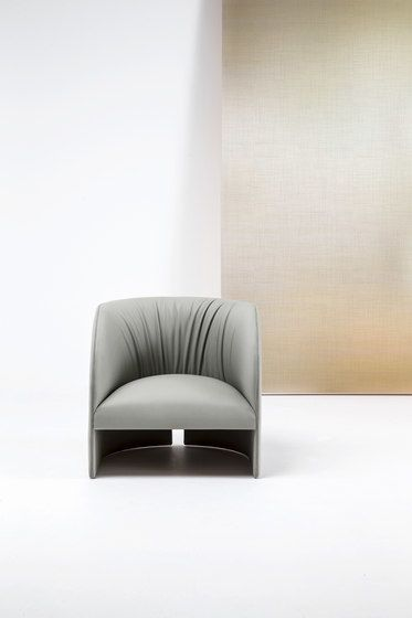 Eclipse Lounge chair by Bross by Bross