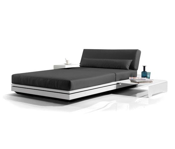 Elements concept lounger by Manutti by Manutti