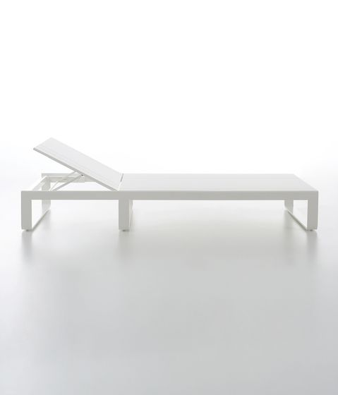 Flat Chill Bed by GANDIABLASCO by GANDIABLASCO