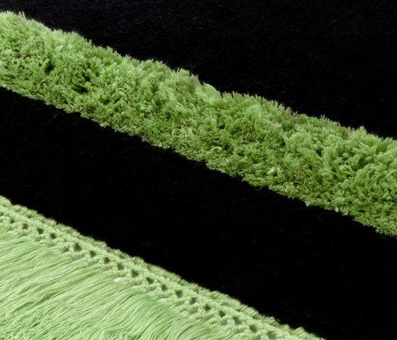 Funky Revolution pureblack greenflash, 200x300cm by Miinu