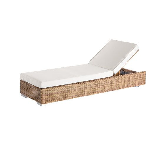 Golf sun bed by Point by Point