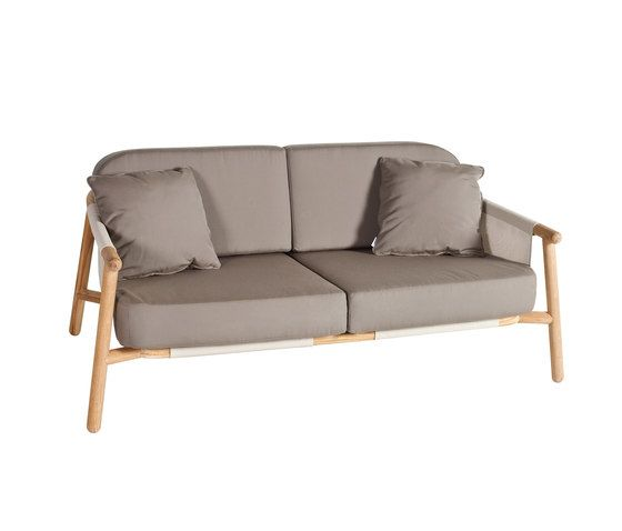 Hamp Sofa 2 by Point by Point