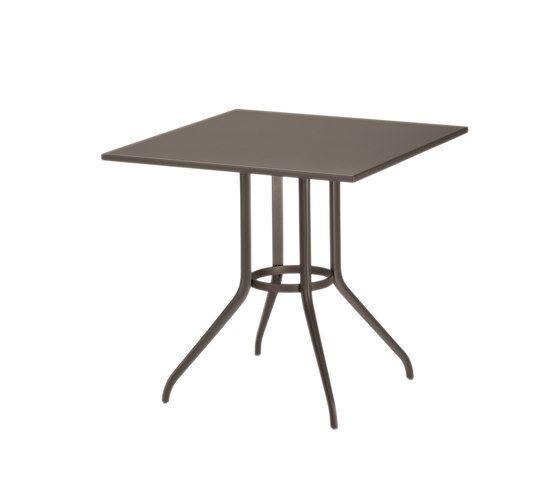 Injoy Dining table by DEDON by DEDON